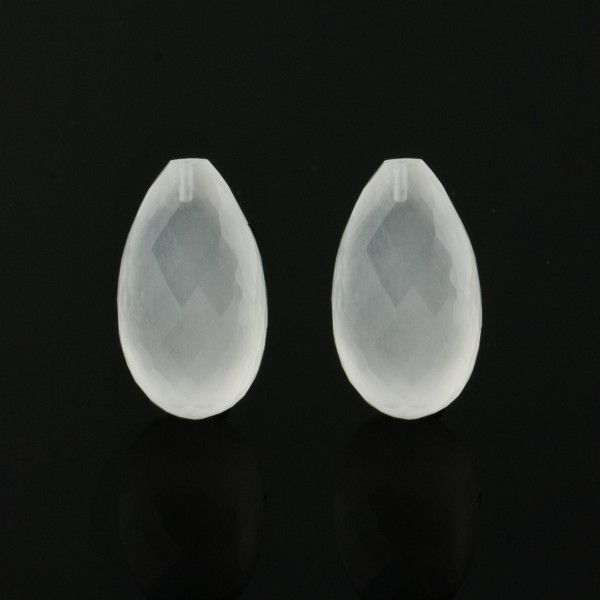 Milky quartz, white, faceted teardrop (harlequine), 22x14mm
